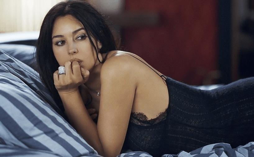 Jak zaciągnąć do łóżka MonikęBellucci?